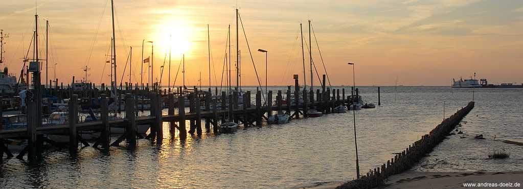 Sonnennaufgang am Yachthafen von Wittdün auf Amrum